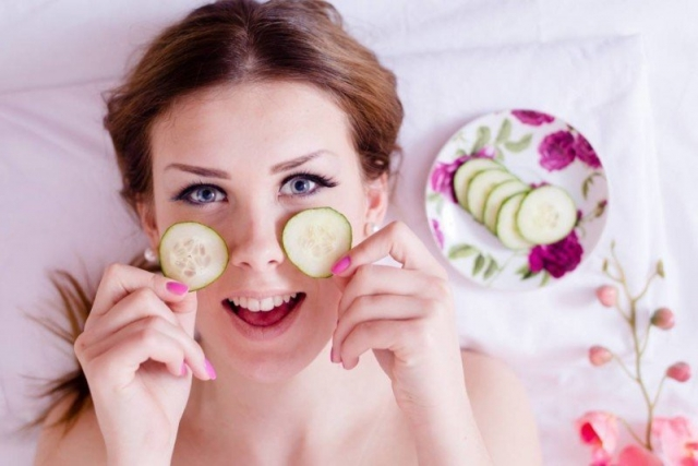 Hausmittel für glatte Gesichtshaut